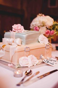 ...beautiful cake...looked even cooler when I saw it at my brother, @Cory Brine Hankins ' ,wedding :) Dream Cake, Vintage Suitcases, Luggag Cake, Weddings, Shower Cakes, Photography Tips, Light Photography, Wedding Cakes, Groom Cake