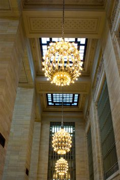 Visit Grand Central Terminal around midday, as light streams in from the cathedral-like windows, to appreciate this 100-year-old architectural gem's massive main concourse and discover its hidden nooks and crannies.