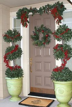 Love this entry way for Christmas!