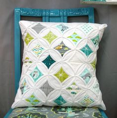 """""""Les amis"""" fabric -love this pillow in a quilt"""
