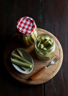 Easy sweet and sour dill pickled cucumbers #recipes #pickles