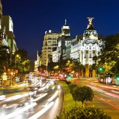 La velocidad plasmada en una imagen de la ciudad de Madrid. Mágica, como siempre. #madrid #turismo #vacaciones #buscounchollo