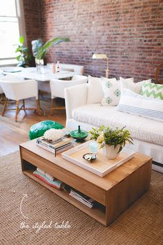 coffee table styling 101 // coco+kelley