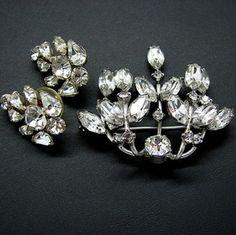 Vintage Weiss Clear Rhinestone Floral Spray Brooch Pin & Coordinating Earrings