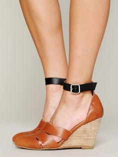 Jeffrey Campbell + Free People Courtland Mini Wedge http://www.freepeople.co.uk/whats-new/courtland-mini-wedge/