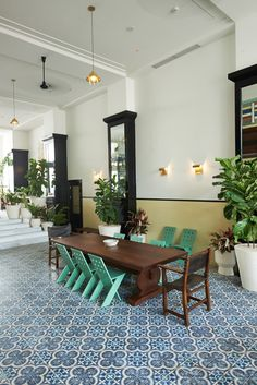 trade hotel, lobbi, tile