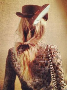 The 17 prettiest ponytails right now: Low with a bow