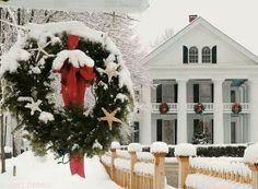 So pretty....house ready for christmas