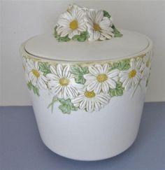 Poppytrail Sculptured Daisy Cookie Jar