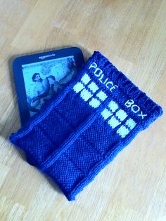 Ravelry: TARDIS Kindle case. (Dr. Who) pattern by AmericanWitch