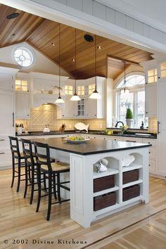 Beautiful Traditional Kitchen! - Divine Kitchens LLC