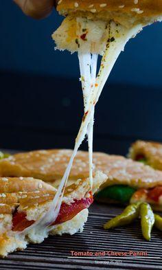 1100 kcal balanced menu - main dish - lunch - dinner - Tomato and Cheese Panini
