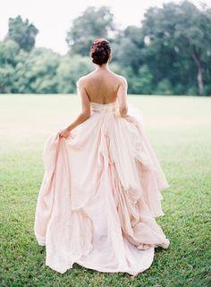 vestido de novia rosa, pink wedding dress