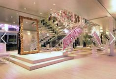 Le Louvre, South Yarra, combines, gold, silver, mirrors and glass with stunning effect.