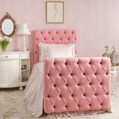 La cama de la actriz Layla Grayce