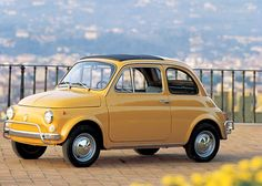 yellow fiat 500 classic