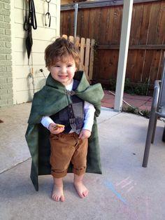 toddler hobbit costume kids halloween @Emalie Spann Hoar !!! haha I thought of Richard immediately
