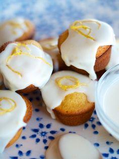 Almond & Lemon Baby Cupcakes