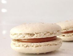 salted caramel macarons recipe, salt caramel, food, salted caramel macaron recipe, french macaroons