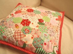 Finally I made a hexagon patchwork pillow case