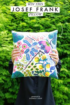 Giving away a Josef Frank pillow from Svenkst Tenn. Pin it to win it.