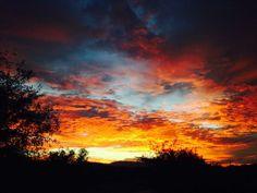 @Amanda Rizato: #TODAYsunrise beautiful start to the day in Tucson, AZ.