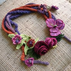 ao with <3 / Elegant crocheted ornaments