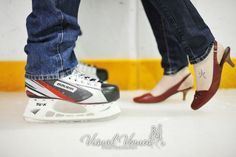 Sports fans engagement pictures :  wedding Heelsonice