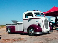 Gotta to love these old trucks !