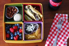 Our Favorite New Way to Bring Lunch // Bento Boxes