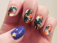 Perfect vacation nails.
