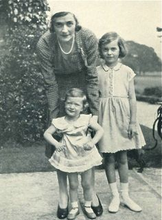 Edwina Mountbatten with her daughters
