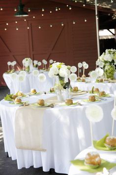 How fun to walk into this wedding reception with caramel apples waiting!  Photography by aldersphotography...
