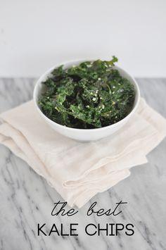 Recipe File: The Best Kale Chips - http://theglitterguide.com #vegan #recipe #vegetarian #recipes
