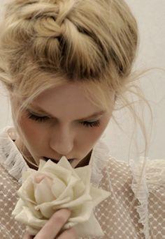 #weddingstyle #weddings #bride #bridalhair #braid repinned by www.hopeandgrace.co.uk
