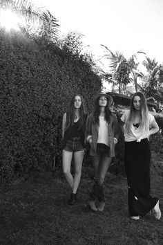 All three of the Haim sisters. Especially Este.
