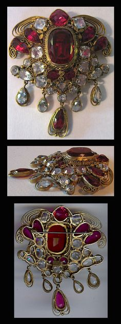 Vintage Hobe costume jewelry pin.
