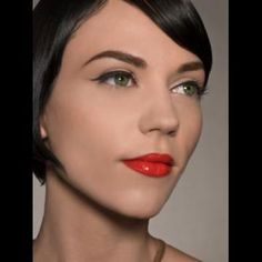 easy cat eye and red lip for fair skin