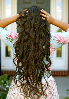 Long curled hair. want this length!