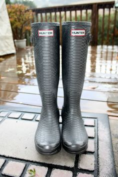 Hunter Carnaby Boa rainboots in pewter