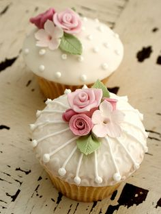 Vintage Rose Cupcakes by Icing Bliss, via Flickr