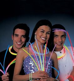 No matter the age of your New Year's Party guests...glow necklaces and bracelets are always a fun accessory to wear. Sold in packages of 50. Choose your color!