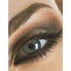 brown make-up for blue eyes