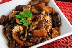Crock Pot Balsamic Chicken with Pears and Portabella Mushrooms – 4 Points   - LaaLoosh
