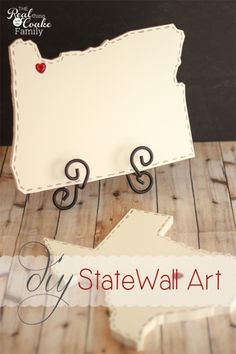 Tutorial to make adorable DIY wall art for each place you have lived. #DIY #WallArt #HomeDecor #RealCoake