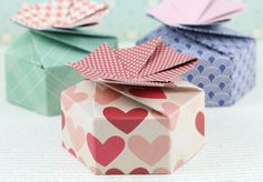 Excelente tutorial para hacer cajitas  video valentine treats, paper craft, tutorials, papercraft, valentine day, petal box, boxes, small gifts, scorpal petal