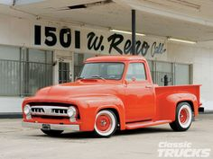 Google Image Result for http://image.classictrucks.com/f/29919896/1102clt_22_o%2B2011_classic_truck_buyers_guide%2Bold_truck.jpg