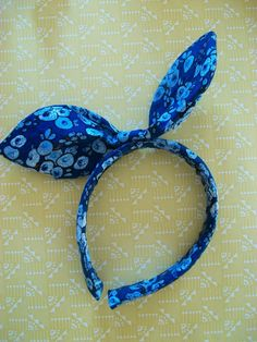 Last-Year Girl: V Craft Challenge: How To Make A Fabric-Covered Hairband With Bow