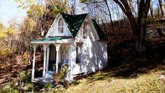 mini Victorian fairytale retreat