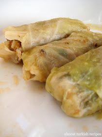 Almost Turkish Recipes: Stuffed Cabbage Leaves with Ground Meat (Etli Lahana Sarması)